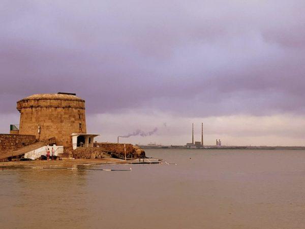 Plage marée haute Salthill Irlande