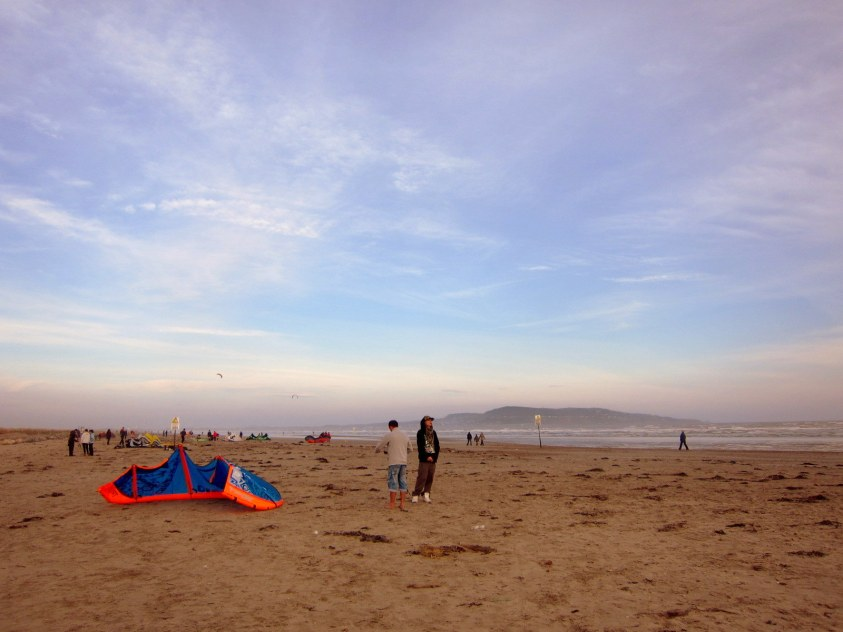 Kite surfers plage Dublin Irlande