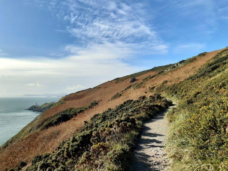 Sentier de randonnée falaises Irlande