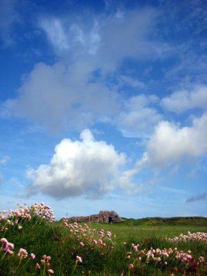 Cumulus ciel bleu prairie irlande