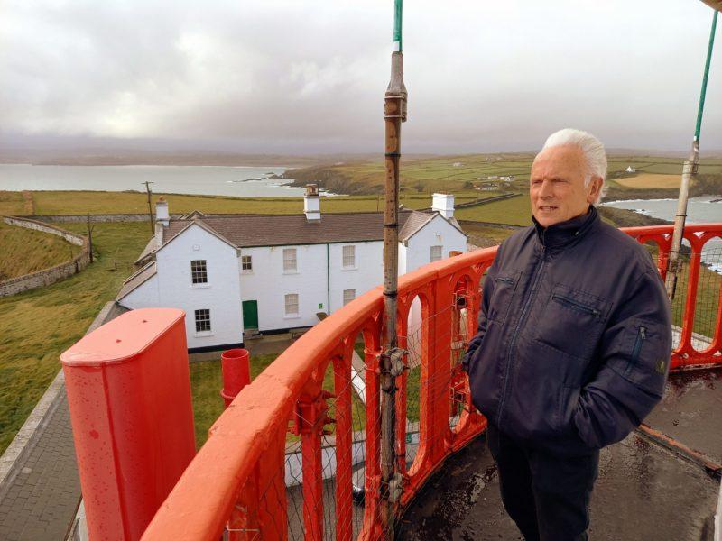 Gerald sur la galerie du phare de Galley Head
