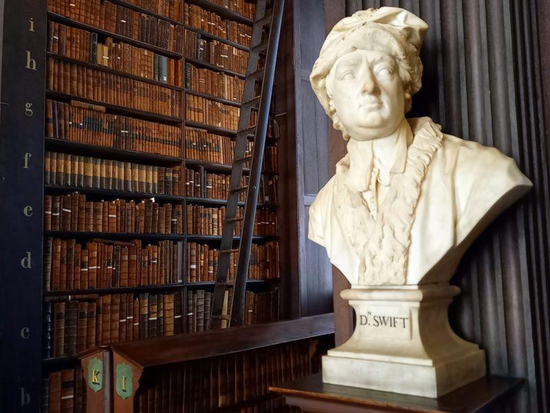 Bibliotheque Trinity College buste Jonathan Swift