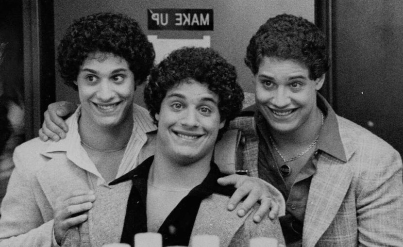 foto-three-identical-strangers.jpg