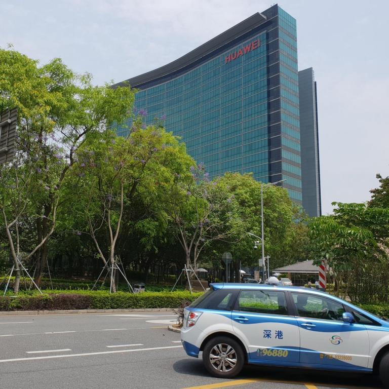 Huawei Diblokir Amerika Mendapat Sindiran, Dikarenakan Tidak Adanya Google