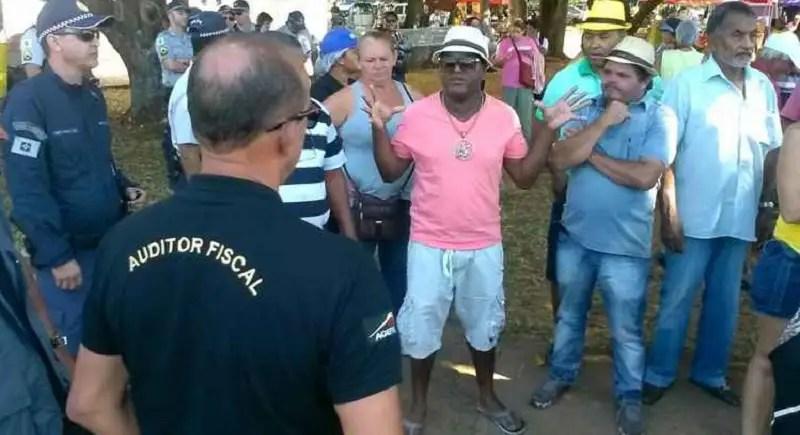 "Bomba! JustiÇa Determina Que 51 ""auditores Fiscais"" Da"