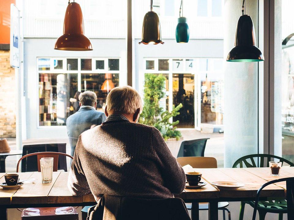 Terceira idade será responsável pela sustentação do consumo - foto: Pixabay