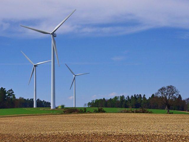 Na América Latina e no Caribe, pelo menos 1 milhão de empregos serão gerados como resultado do uso de energias renováveis, segundo a OIT. Foto: Pixabay