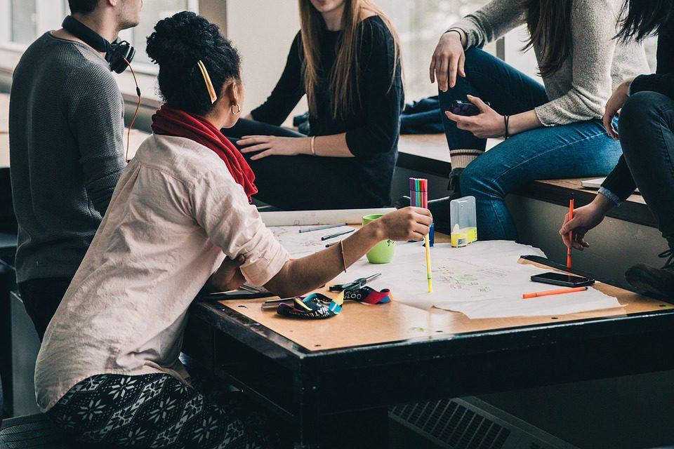 As EdTechs desempenham papel essencial para promover um salto de qualidade na educação, atacando justamente o cerne da questão, que são as metodologias de ensino. Imagem: Pixabay