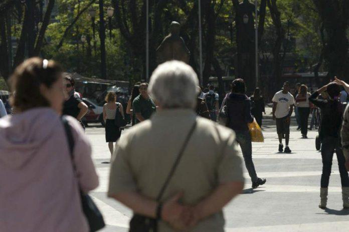 A população do Brasil vai continuar em crescimento até atingir 233,2 milhões de pessoas em 2047 - foto: Agência Brasil