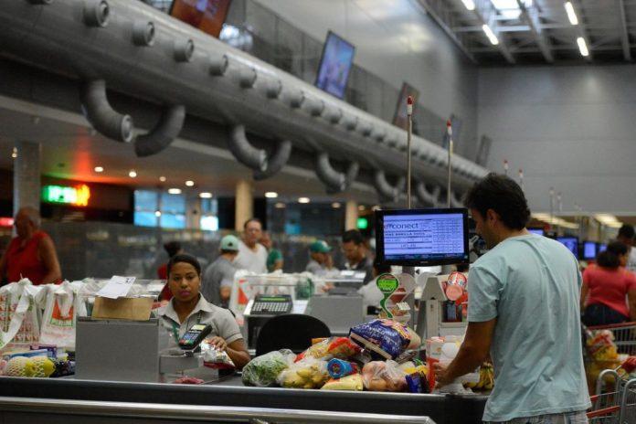 Pesquisa comprova as condições favoráveis do mercado para a adoção de recursos para auto-atendimento- Tânia Rêgo/Agência Brasil