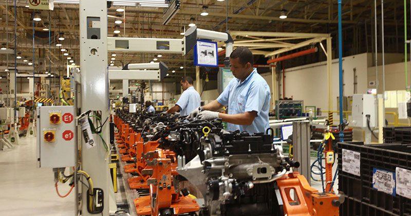O Brasil perdeu espaço na indústria de alta tecnologia. Participação do setor industrial no PIB recuou cedo demais quando comparada ao que ocorreu nos países desenvolvidos. Foto: Alberto Coutinho/GOVBA