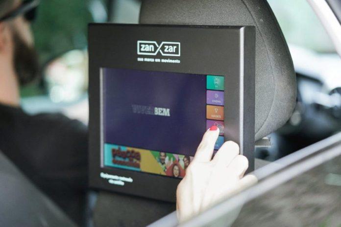 TV Zanzar busca a melhora da experiência do consumidor durante a viagem proporcionando entretenimento, informação e interatividade enquanto estamos no trânsito