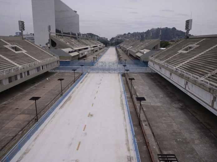 sambodromo do rio de janeiro vazio, marcando o cancelamento do carnaval de 2021
