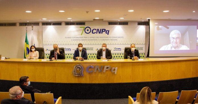 cnpq comemora aniversario em ambiente de tensao com cortes de bolsas de pesquisa
