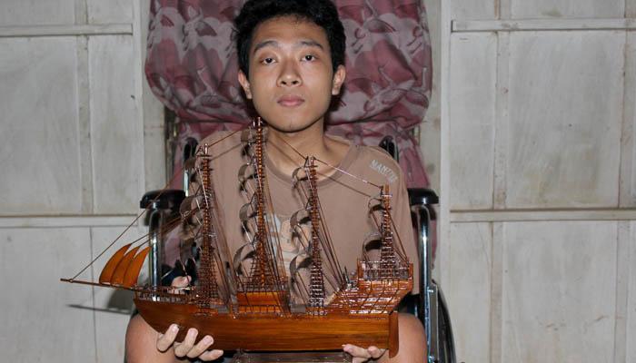 Ahmad Rizal, Penyandang Disabilitas Pembuat Miniatur Kapal Pinisi