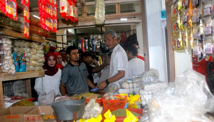 Pedagang Minta Ganjar Bantu Ramaikan Pasar Baledono