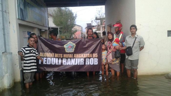 Peduli Banjir Rob