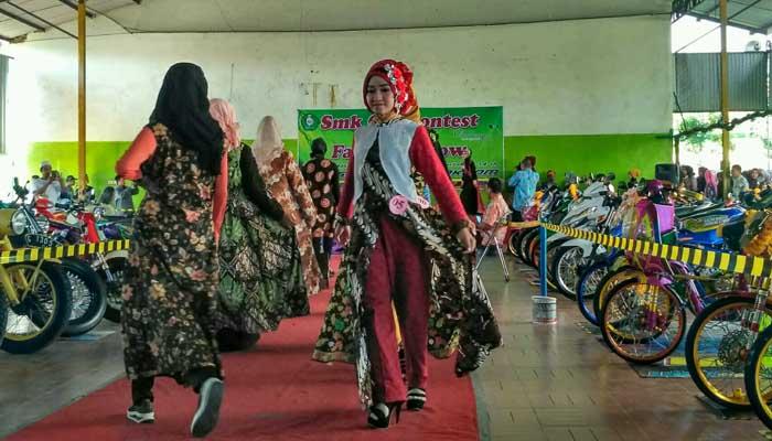 SMK Syafii Akrom -fashion show