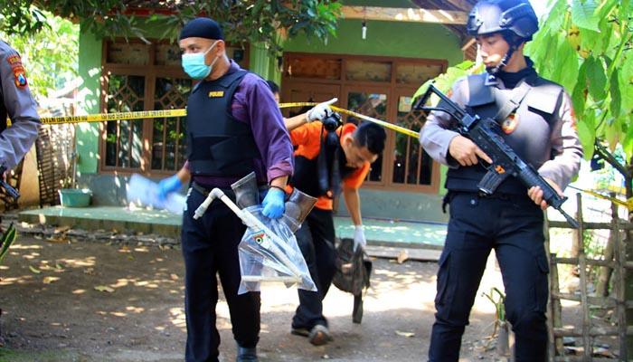 Tiga Terduga Teroris Masih Saudara Kandung