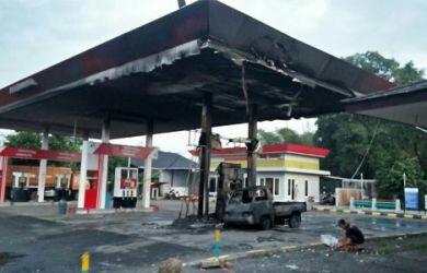 Akibat Ada Mobil Tak Mematikan Mesin Saat Mengisi BBM, POM Bensin Ini Kebakaran