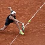Wozniacki supera Parmentier e avança às oitavas em Roland Garros