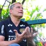 Aguirre explica por que prefere não renovar com o São Paulo agora