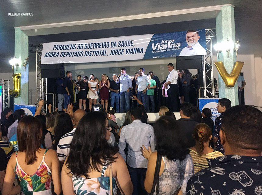 Durante comemoração de eleição para deputado distrital, Jorge Vianna anuncia apoio do Podemos a Ibaneis Rocha