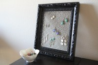 DIY: Earring holder! | Rad Design