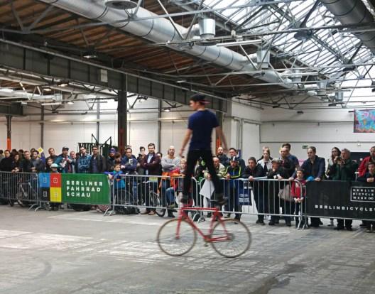 Kunstradfahrer mit Meistertitel