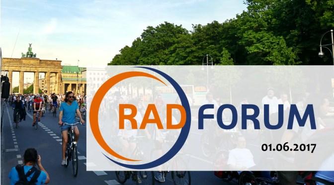 Radelmädchen liest beim ADFC RadForum