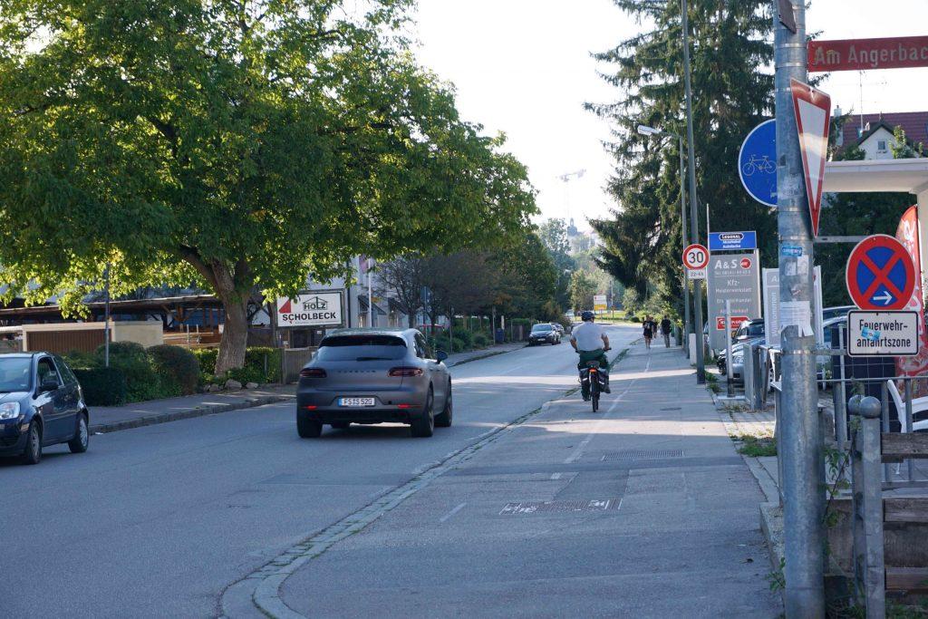 Erdinger Straße schmaler Radweg