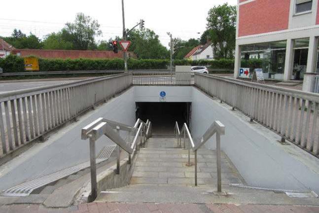 Bahnposten 15