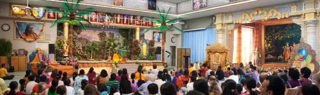 শ্রী রাশেশ্বরী রাধা রানী মন্দিরটি আমেরিকা যুক্তরাষ্ট্রের অন্যতম বৃহত্তম হিন্দু মন্দির।