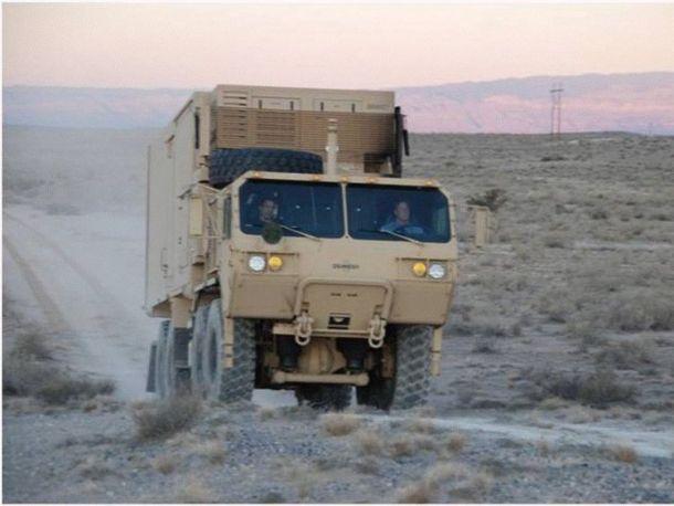 HELMTT in desert