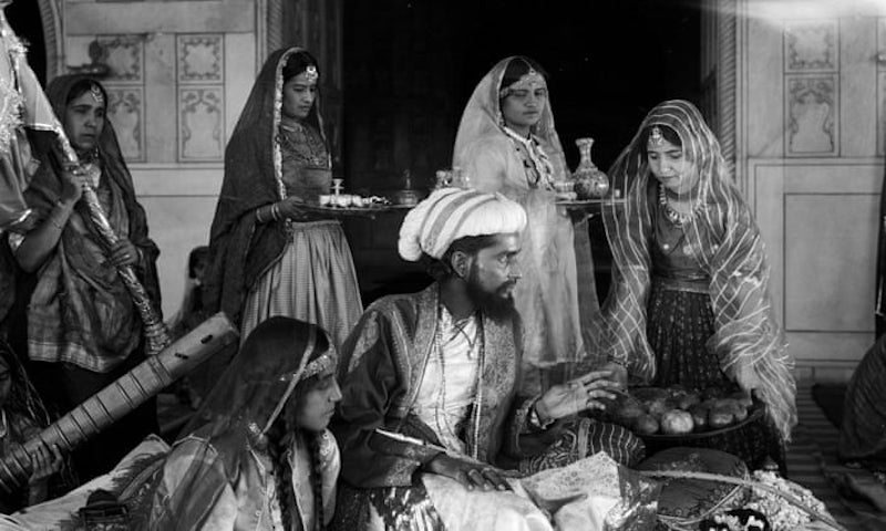 Films in London this week: SHIRAZ: A ROMANCE OF INDIA at Royal Festival Hall (09 APR).