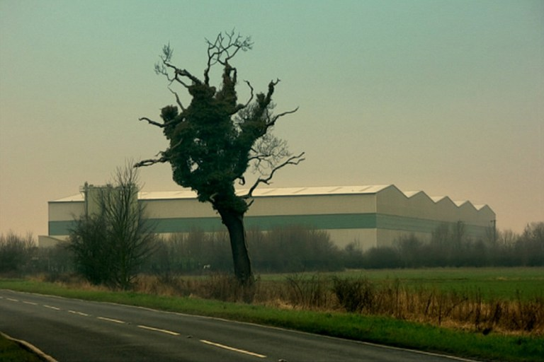 RADIANT CIRCUS #ScreenGuide - Films in London today: LONDON ORBITAL, part of RINGROADS: PLAYFULNESS IN BRITISH PSYCHEOGRAPHY at Close-Up (16 to 25 SEP).