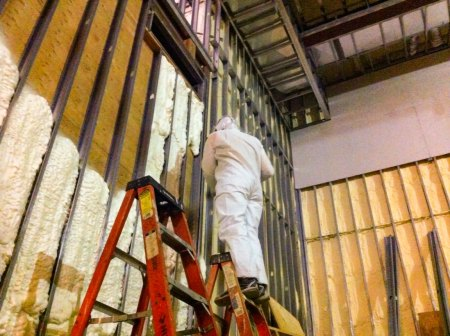 spray foam insulation in walls