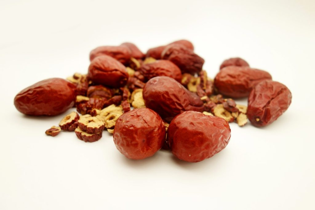 Jujubes Chinese dates are a perfect natural remedy for a cough and weak lungs
