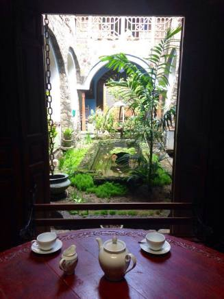 Tea in someones living room in Galle, in an old dutch mansion.