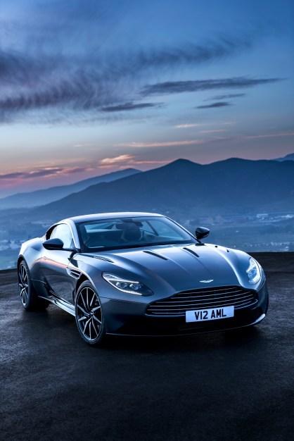 Aston DB11 - 5