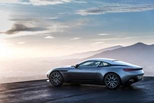 Aston DB11 - 6