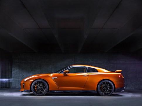 Nissan GT-R - 4