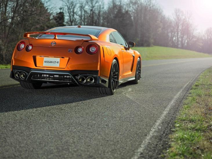 Nissan GT-R - 6