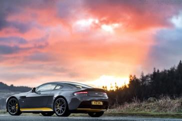 Aston-Martin-V12-Vantage-S-63210