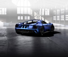 GT Configurator: Liquid blue Ford GT rear three quarter