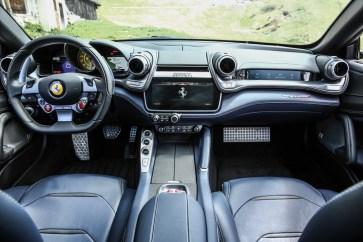 Ferrari GTC4Lusso-5 - 1 (1)
