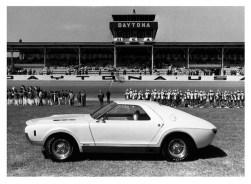 1966_Vignale_AMC_AMX_Concept_Car_07
