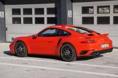 st16-Porsche 911 Turbo S - 8