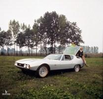 1967-Bertone-Jaguar-Pirana-03