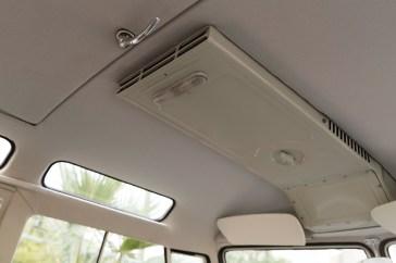 @1963 Volkswagen '23-Window' Deluxe Microbus - 14